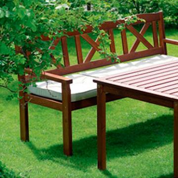 Преимущество садовой мебели из ольхи над аналогичными изделиями из других материалов